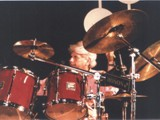 He was the endorser for all the brands in Hungary, but he liked Slingerland the best